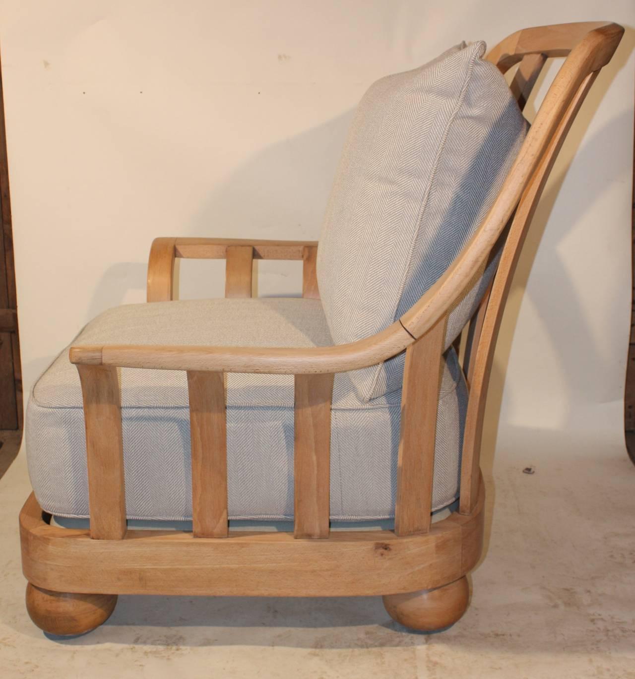 Overstuffed italian lounge chair circa 1930 at 1stdibs for Overstuffed armchair