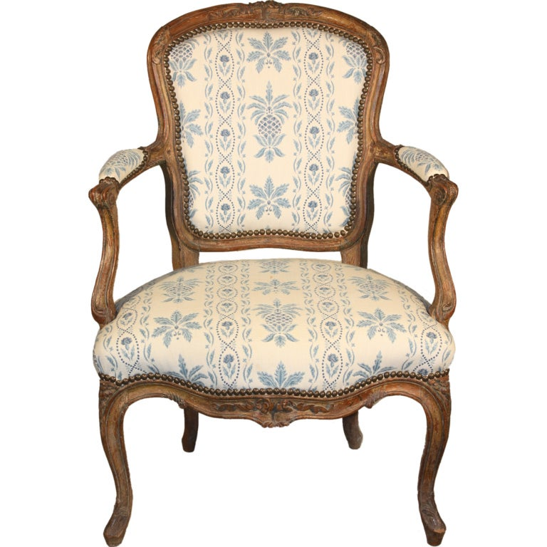 Louis xv fauteuil cabriolet at 1stdibs - Fauteuil cabriolet louis xv ...