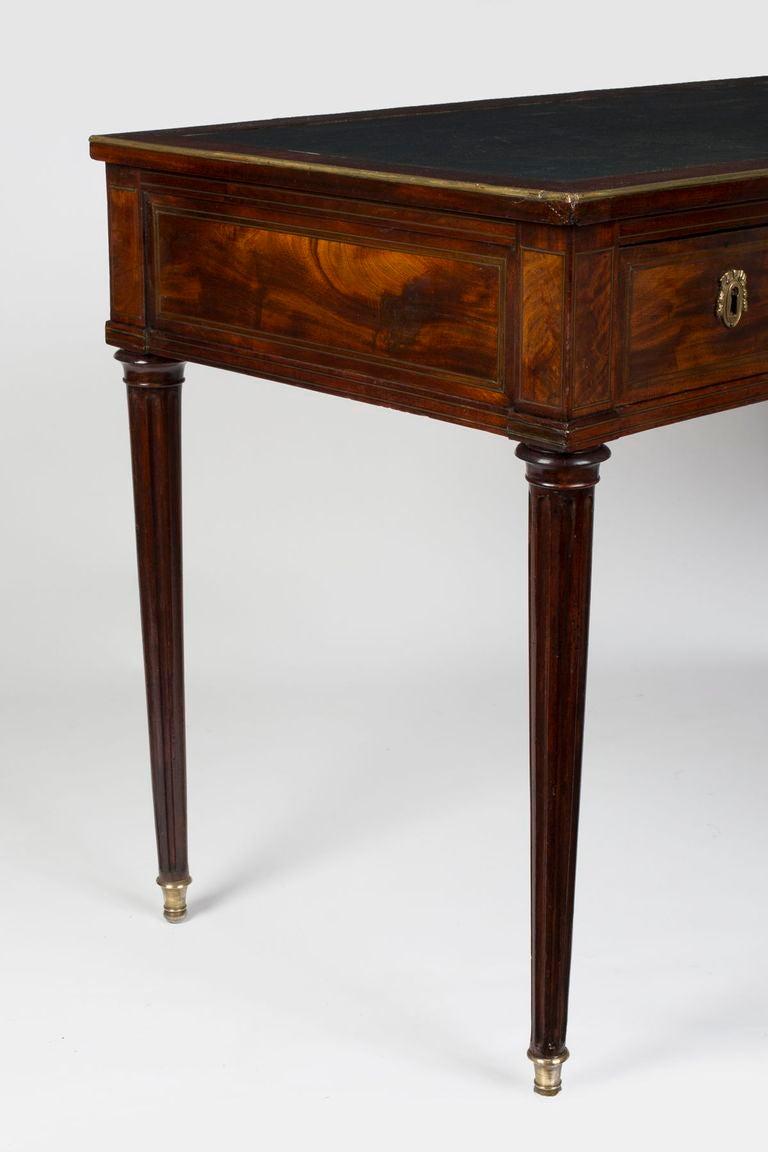 louis xvi brass inlaid mahogany bureau plat stamped hazard at 1stdibs. Black Bedroom Furniture Sets. Home Design Ideas