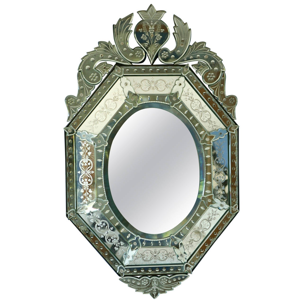 Fine quality venetian etched and cut glass mirror at 1stdibs for Mirror quality