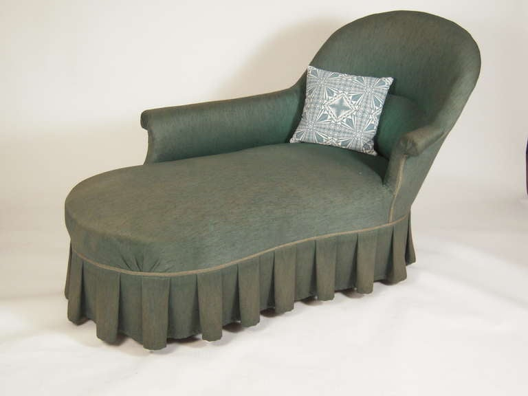 comfortable 19th century chaise longue at 1stdibs. Black Bedroom Furniture Sets. Home Design Ideas