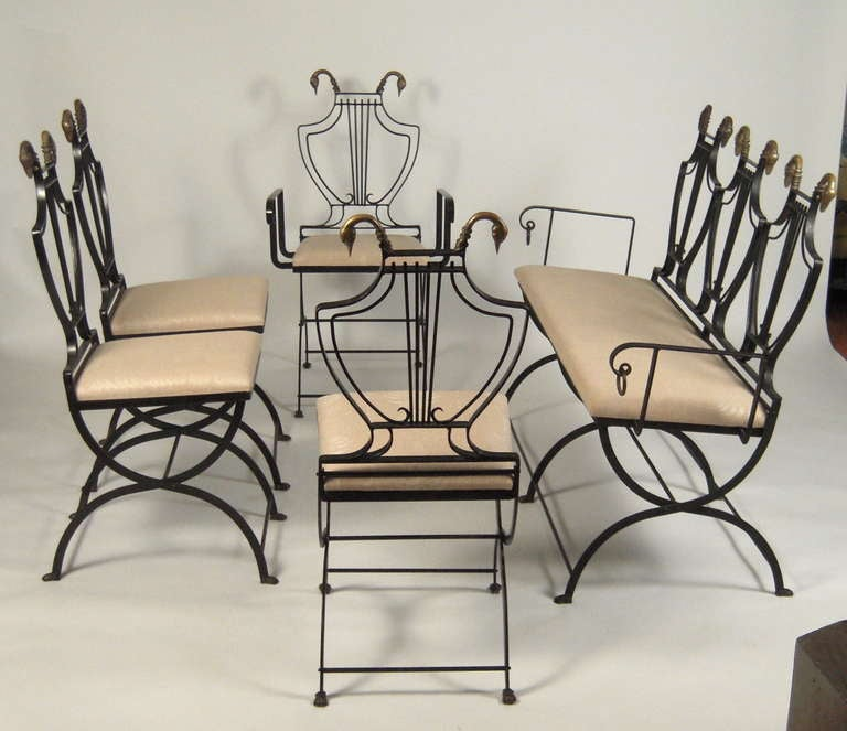 Mid-20th Century Stylish Neoclassical Dining Table and Chairs For Sale