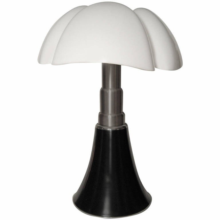 large original pipistrello telescopic lamp by gae aulenti at 1stdibs. Black Bedroom Furniture Sets. Home Design Ideas