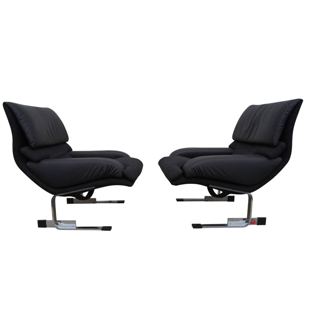 Pair of Onda Lounge Chairs by Giovanni Offredi for Saporiti Italia