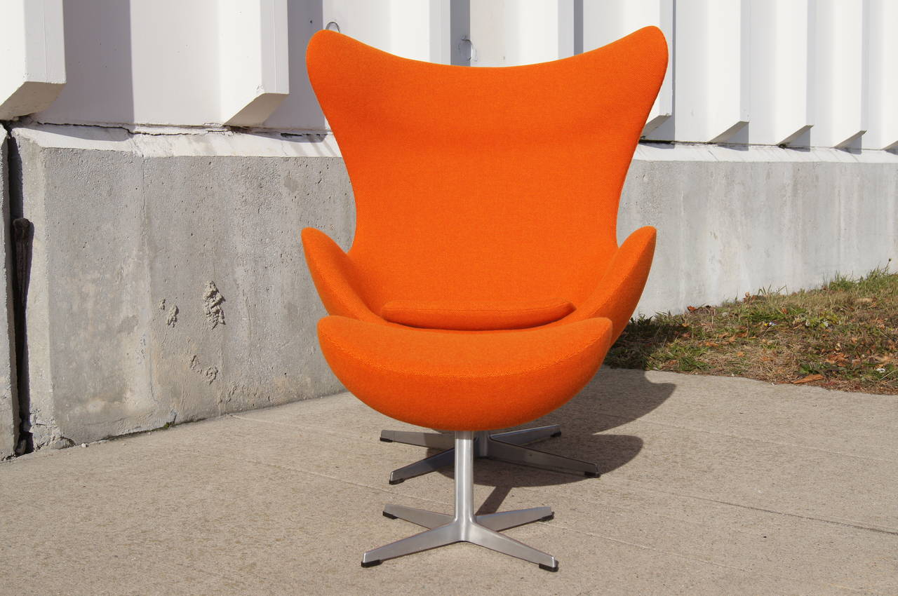 Early Egg Chair and Ottoman by Arne Jacobsen at 1stdibs