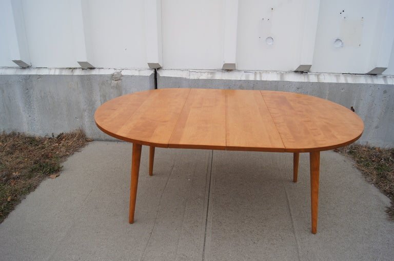Dining Table by Russel Wright for Conant Ball In Excellent Condition For Sale In Boston, MA