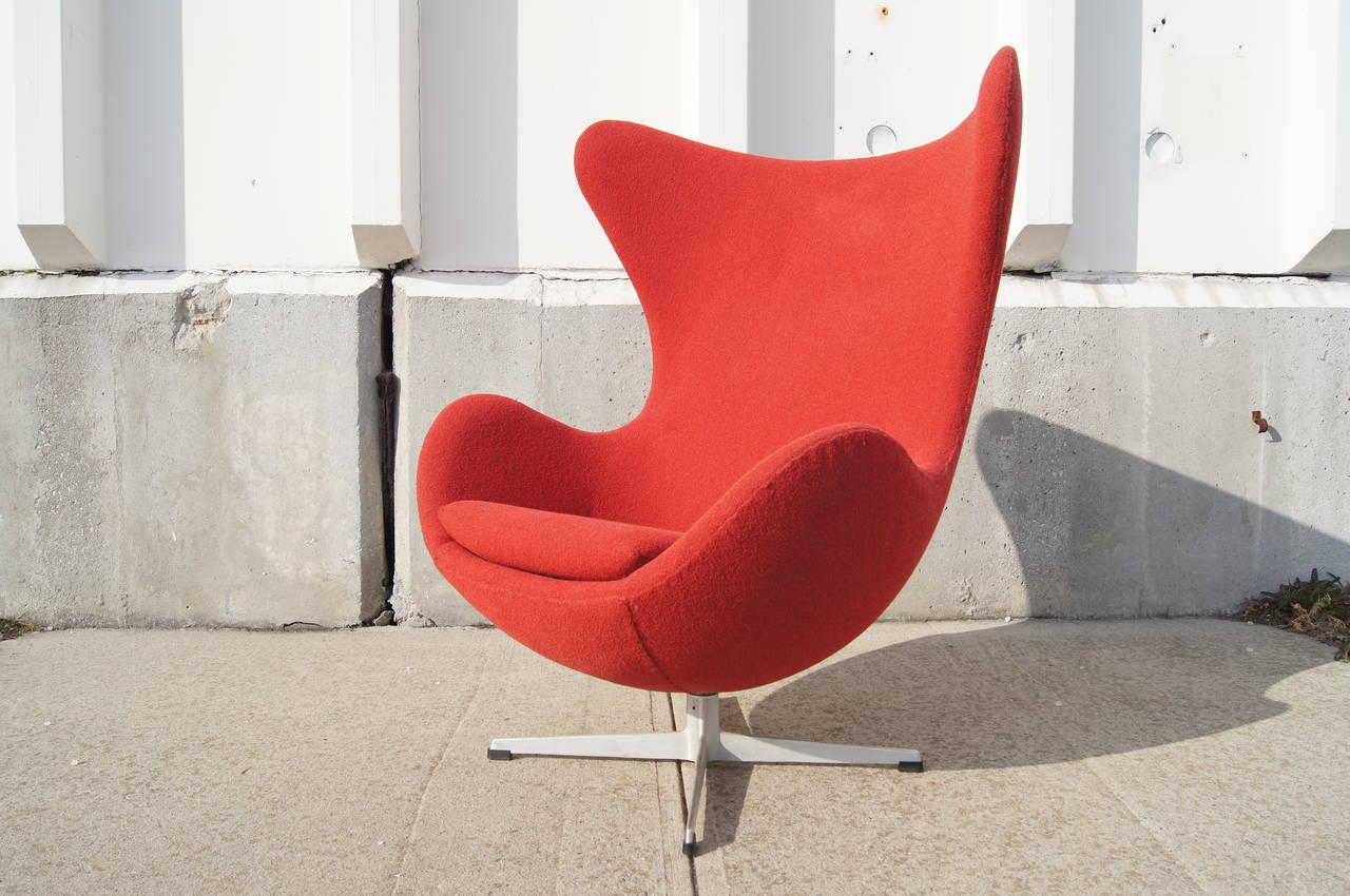 Scandinavian Modern Egg Chair By Arne Jacobsen For Fritz Hansen