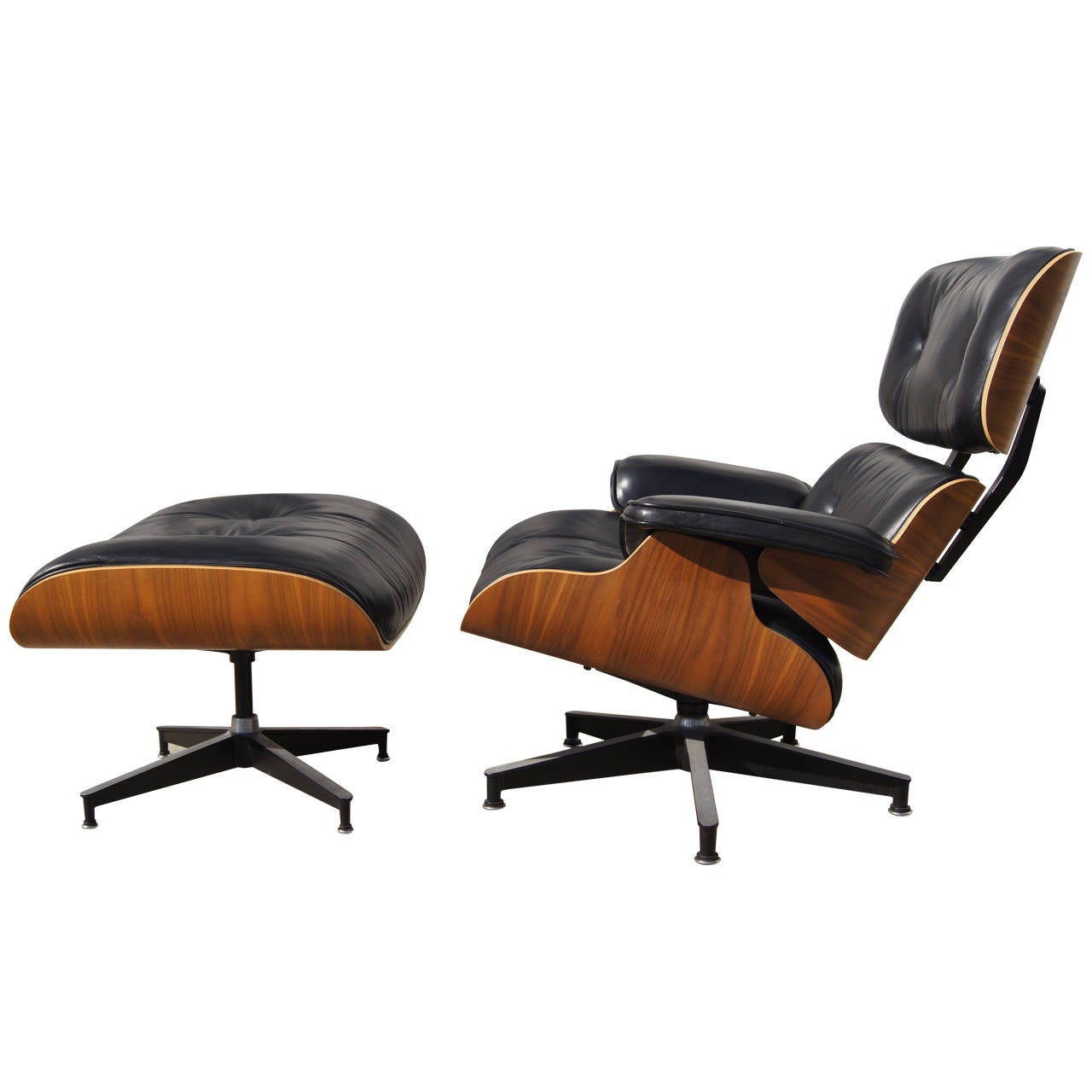 lounge chair and ottoman by eames for herman miller model 670 671 at 1stdibs. Black Bedroom Furniture Sets. Home Design Ideas