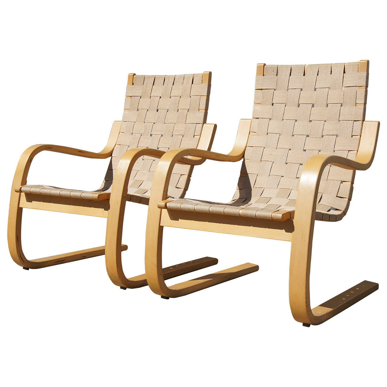 Pair of lounge chairs 406 by alvar aalto for artek at 1stdibs for Alvar aalto chaise