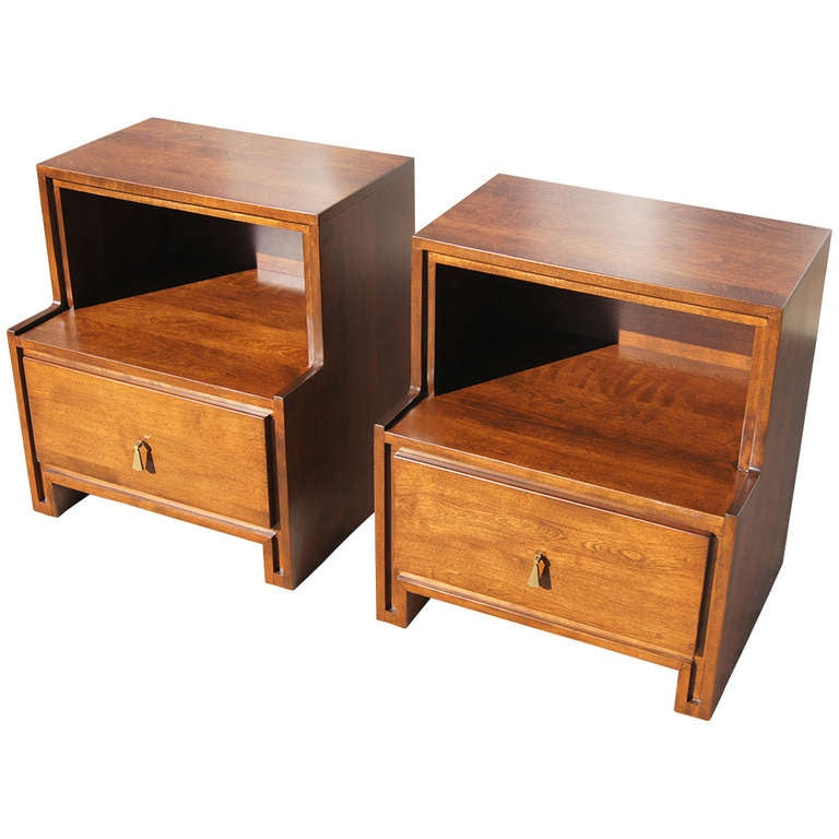 Pair Of Nightstands By Russel Wright For Conant Ball At 1stdibs
