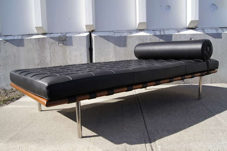 barcelona daybed by mies van der rohe for knoll at 1stdibs. Black Bedroom Furniture Sets. Home Design Ideas