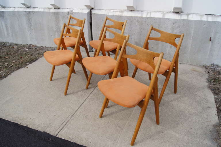 Danish Set of Six Oak Ch-29 Sawbuck Dining Chairs by Hans Wegner for Carl Hansen For Sale