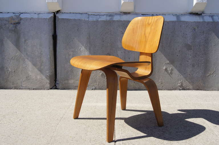 Awe Inspiring Vintage Oak Dcw Dining Chair By Eames For Herman Miller Pabps2019 Chair Design Images Pabps2019Com