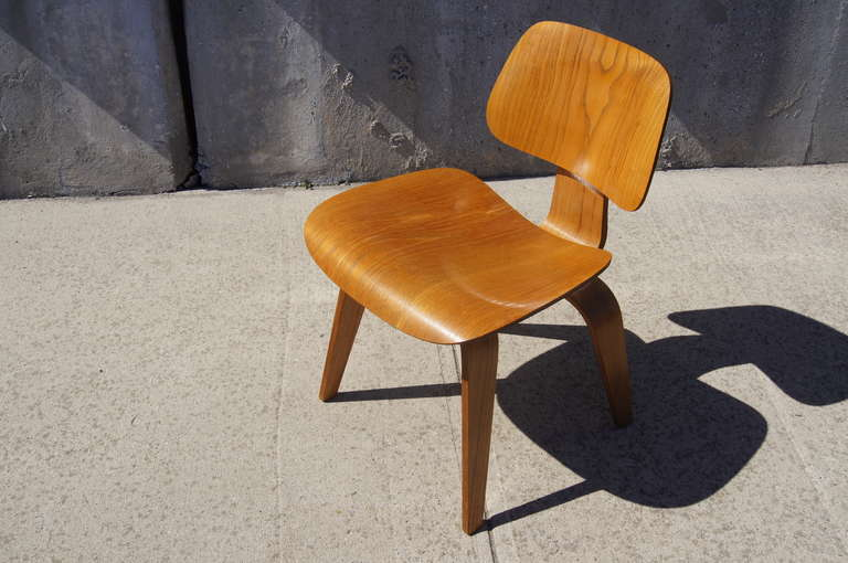Vintage Herman Miller Chairs >> Vintage Oak Dcw Dining Chair By Eames For Herman Miller