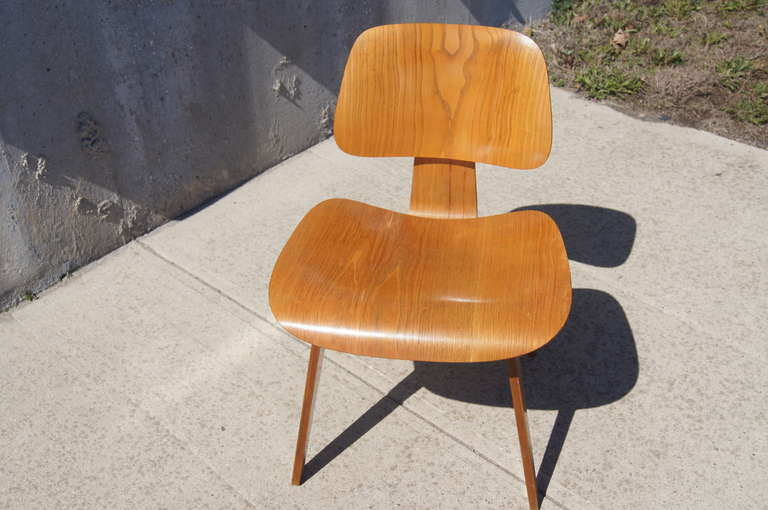vintage oak dcw dining chair by eames for herman miller for sale at