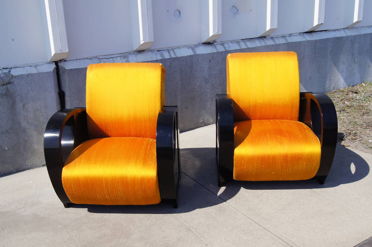 Mid-20th Century Pair of Ebonized Art Deco Club Chairs For Sale