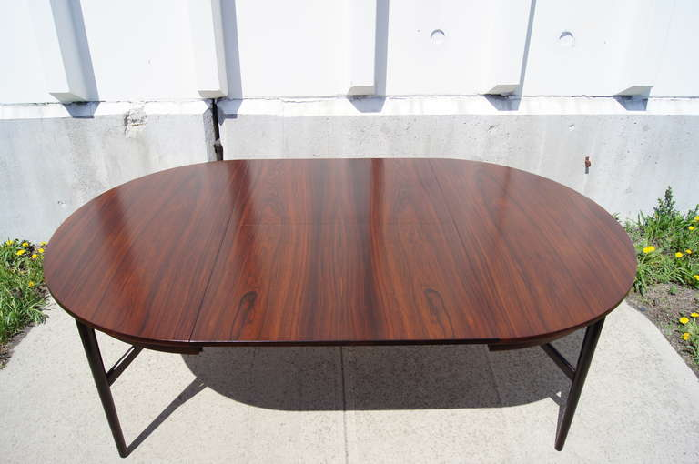 Scandinavian Modern Danish Round Rosewood Dining Table With Extension For