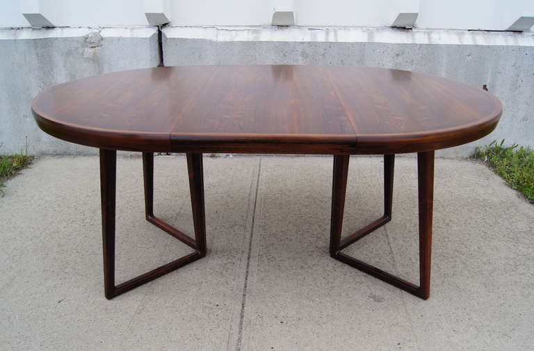 Rosewood Dining Table and Six Chairs by Arne Vodder In Excellent Condition For Sale In Boston, MA