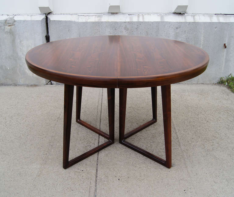 Mid-20th Century Rosewood Dining Table and Six Chairs by Arne Vodder For Sale