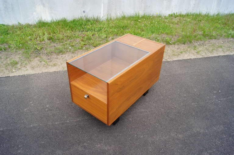 Mid-Century Modern Walnut Side Table with Planters by George Nelson for Herman Miller For Sale