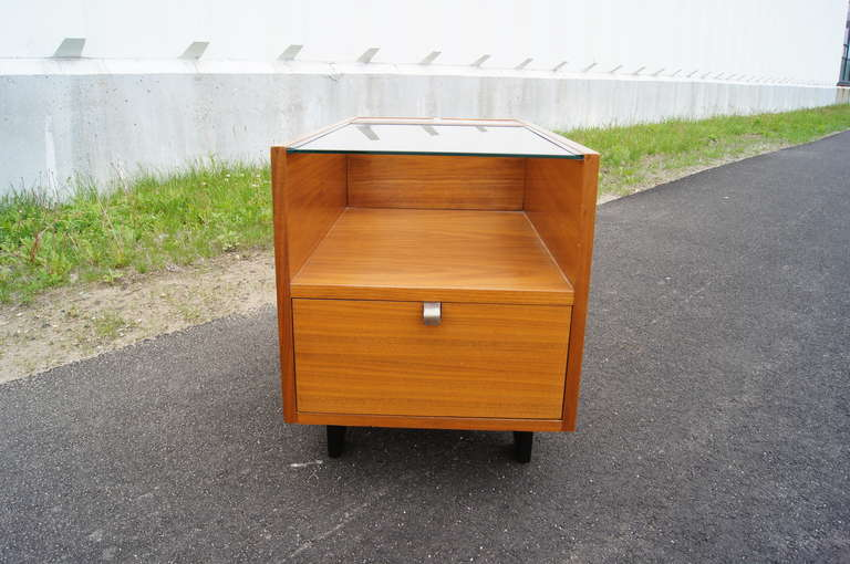 Walnut Side Table with Planters by George Nelson for Herman Miller In Excellent Condition For Sale In Boston, MA