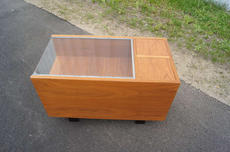 Mid-20th Century Walnut Side Table with Planters by George Nelson for Herman Miller For Sale