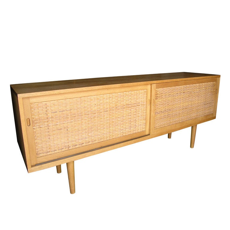 Rare oak and rattan sideboard by hans wegner at 1stdibs for Sideboard rattan