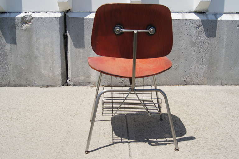 American Rare DCM Side Chair with Magazine Rack by Charles & Ray Eames for Herman Miller For Sale