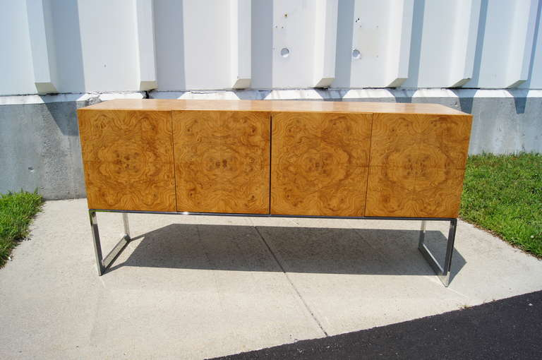 Burlwood Sideboard by Milo Baughman for Thayer Coggin In Excellent Condition For Sale In Boston, MA