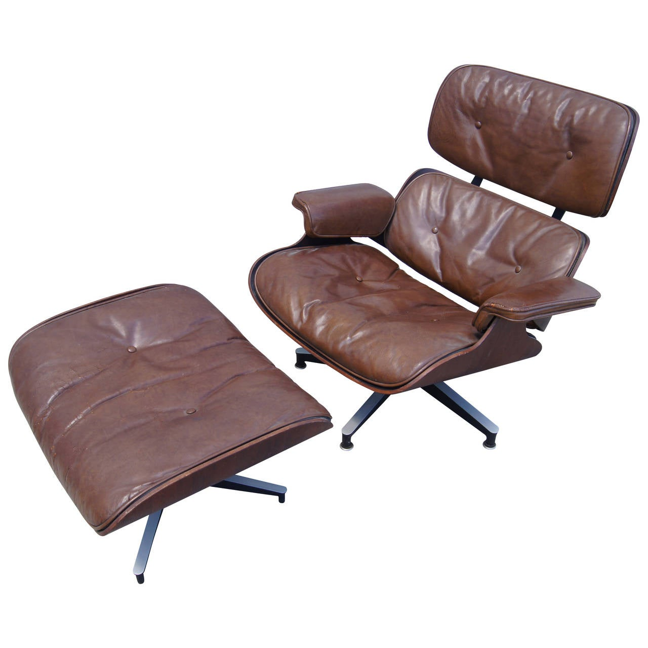 early production lounge chair and ottoman by eames for herman miller for sale at 1stdibs. Black Bedroom Furniture Sets. Home Design Ideas