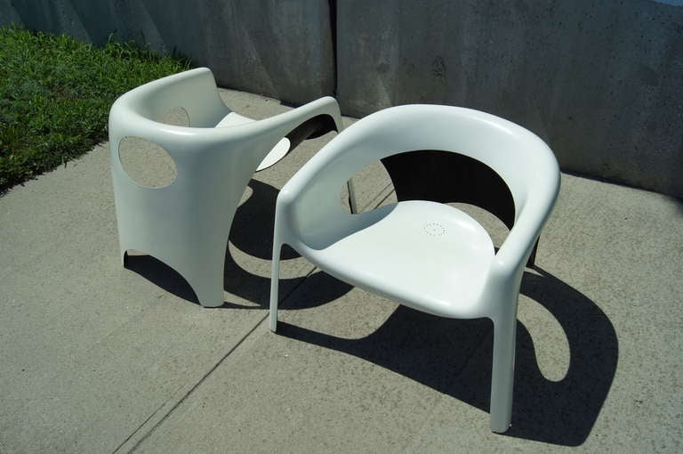 Pair Of Space Age Fiberglass Outdoor Chairs At 1stdibs