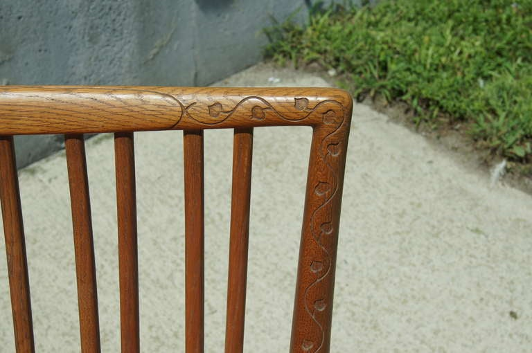 Early ML-33 Oak Rocking Chair with Carvings by Hans Wegner for Mikael Laursen In Good Condition For Sale In Boston, MA