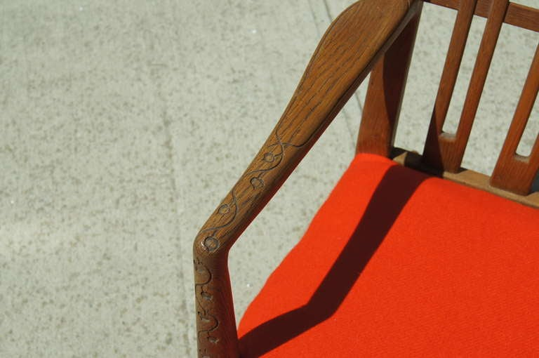 Carved Early ML-33 Oak Rocking Chair with Carvings by Hans Wegner for Mikael Laursen For Sale