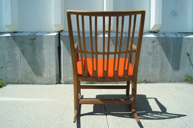 Scandinavian Modern Early ML-33 Oak Rocking Chair with Carvings by Hans Wegner for Mikael Laursen For Sale