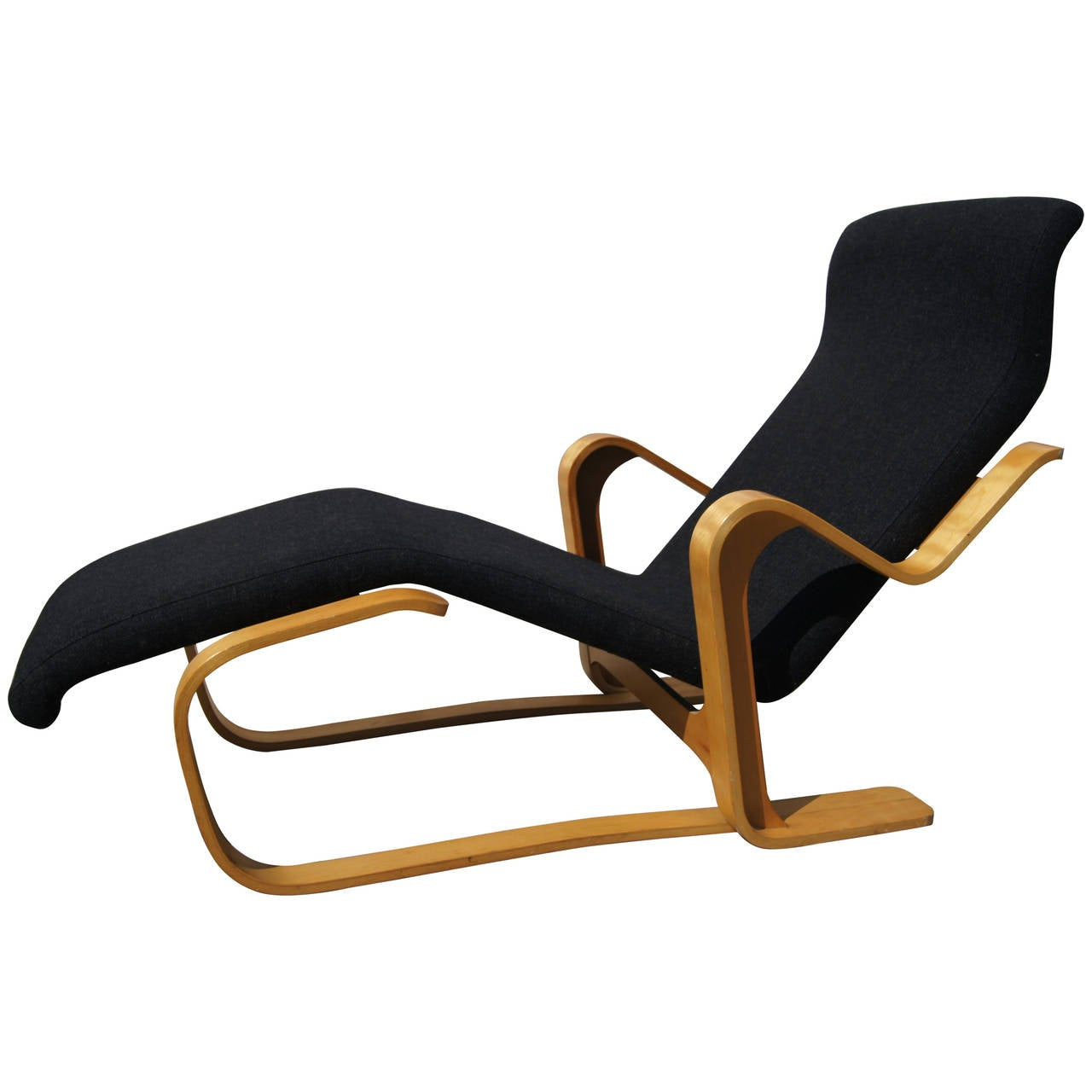 chaise longue by marcel breuer for gavina for sale at 1stdibs. Black Bedroom Furniture Sets. Home Design Ideas