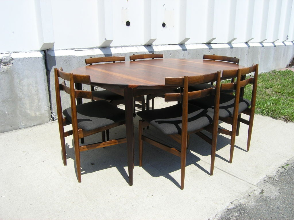Rosewood Dining Table and 6 Chairs by Poul Hundevad image 2