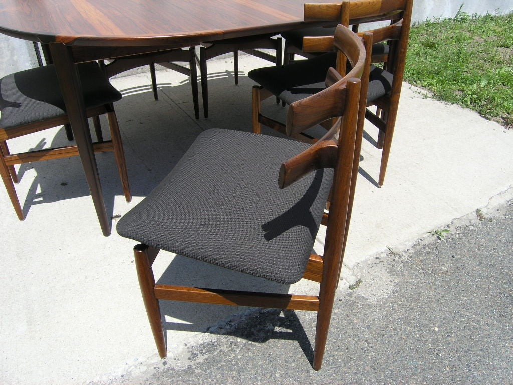 Rosewood Dining Table and 6 Chairs by Poul Hundevad image 3