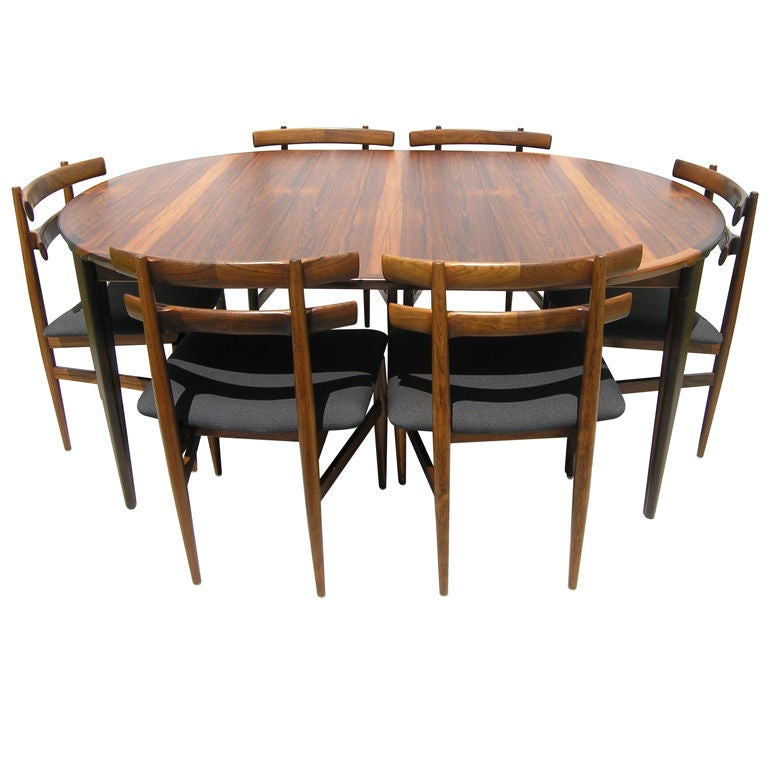 Rosewood Dining Table and 6 Chairs by Poul Hundevad