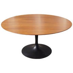 Rare Tea-Height Pedestal Table by Eero Saarinen for Knoll