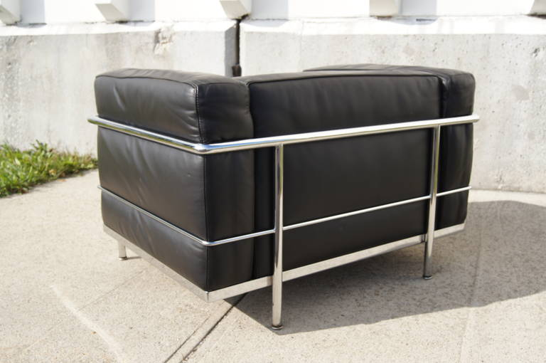 LC3 Grand Confort Lounge Chair by Le Corbusier In Excellent Condition For Sale In Boston, MA