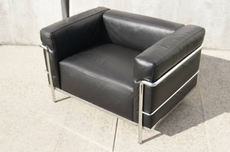 le corbusier chair lc3 grand confort lounge chair by le corbusier at 1stdibs 12818