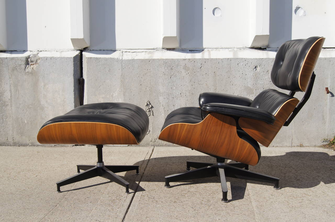 lounge chair and ottoman by eames for herman miller model. Black Bedroom Furniture Sets. Home Design Ideas
