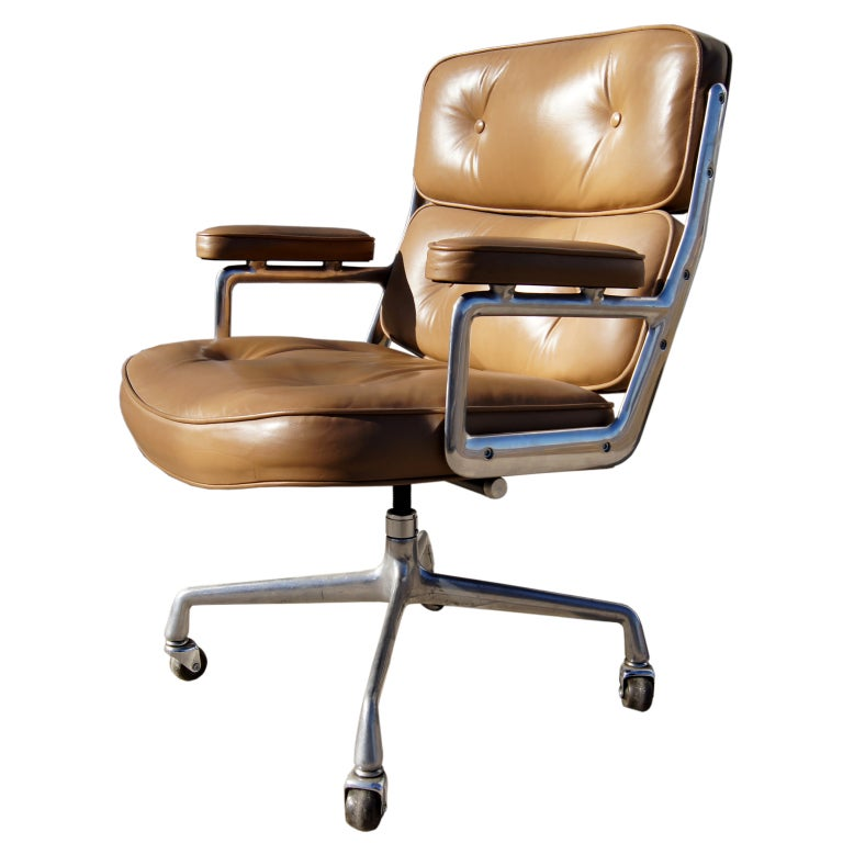Eames Time Life Executive Chair For Herman Miller For Sale