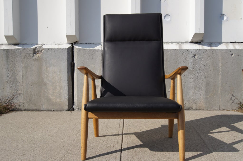 Danish GE-260A High Back Lounge Chair in Leather by Hans Wegner for GETAMA For Sale
