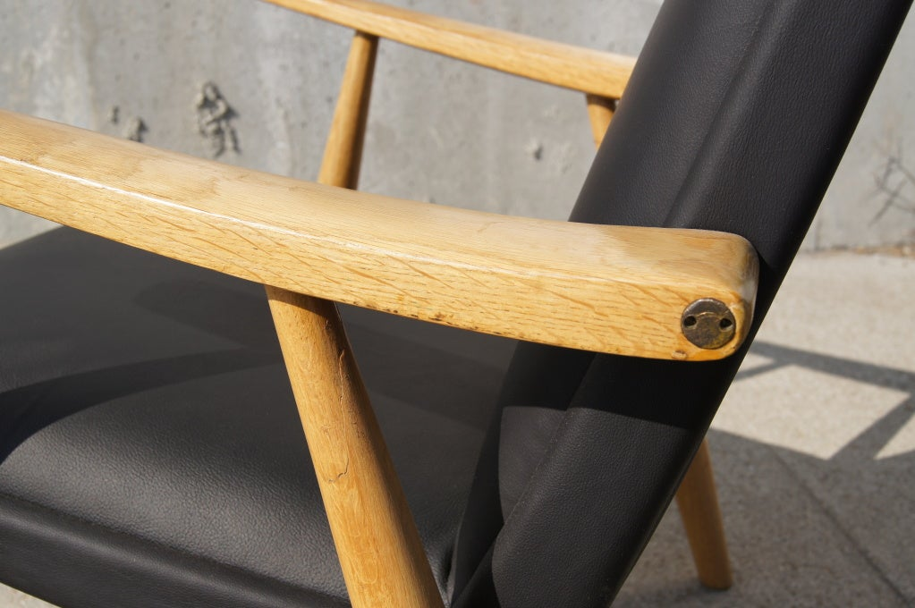 Brass GE-260A High Back Lounge Chair in Leather by Hans Wegner for GETAMA For Sale