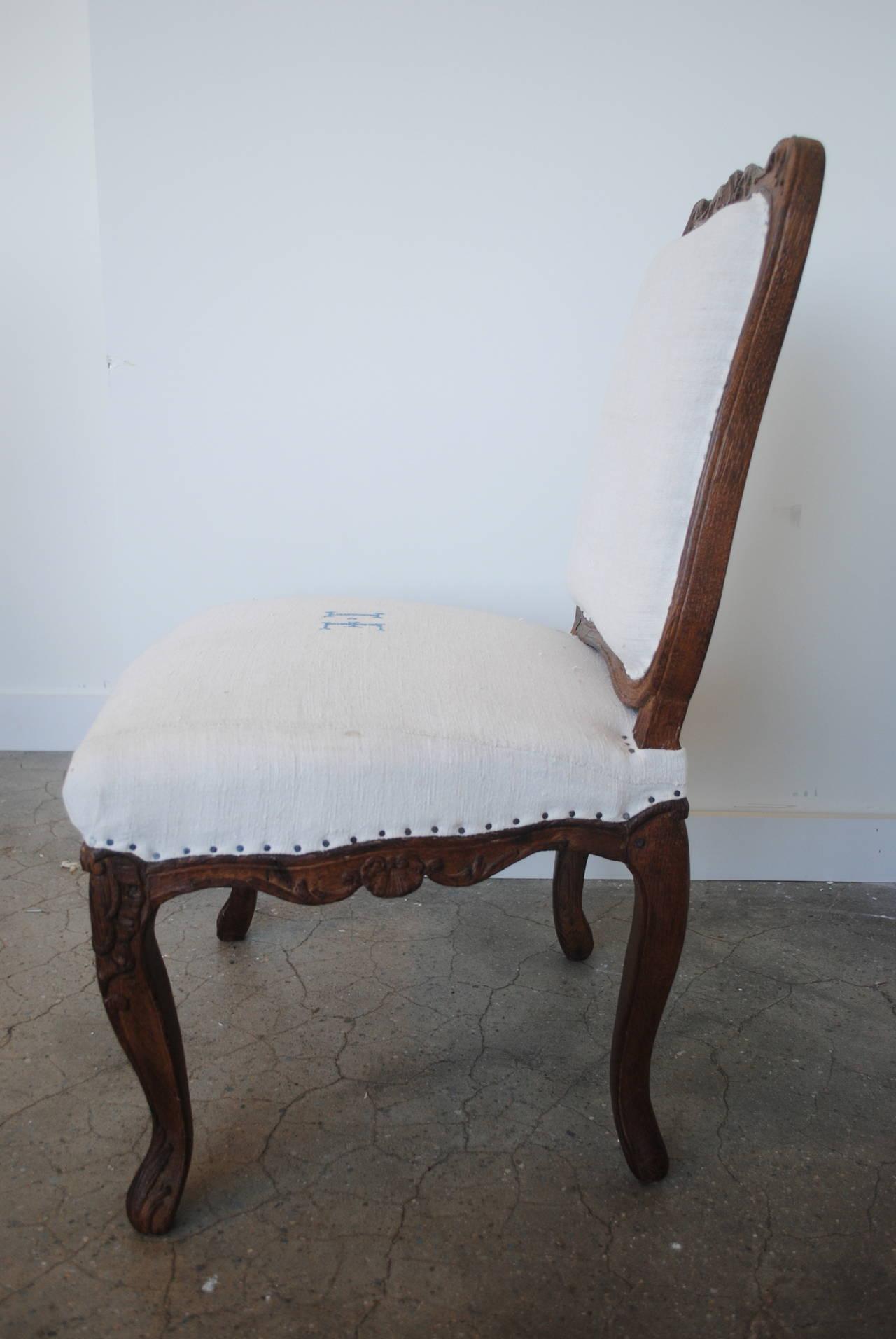 Pair of 19th Century Chestnut Slipper Chairs 4