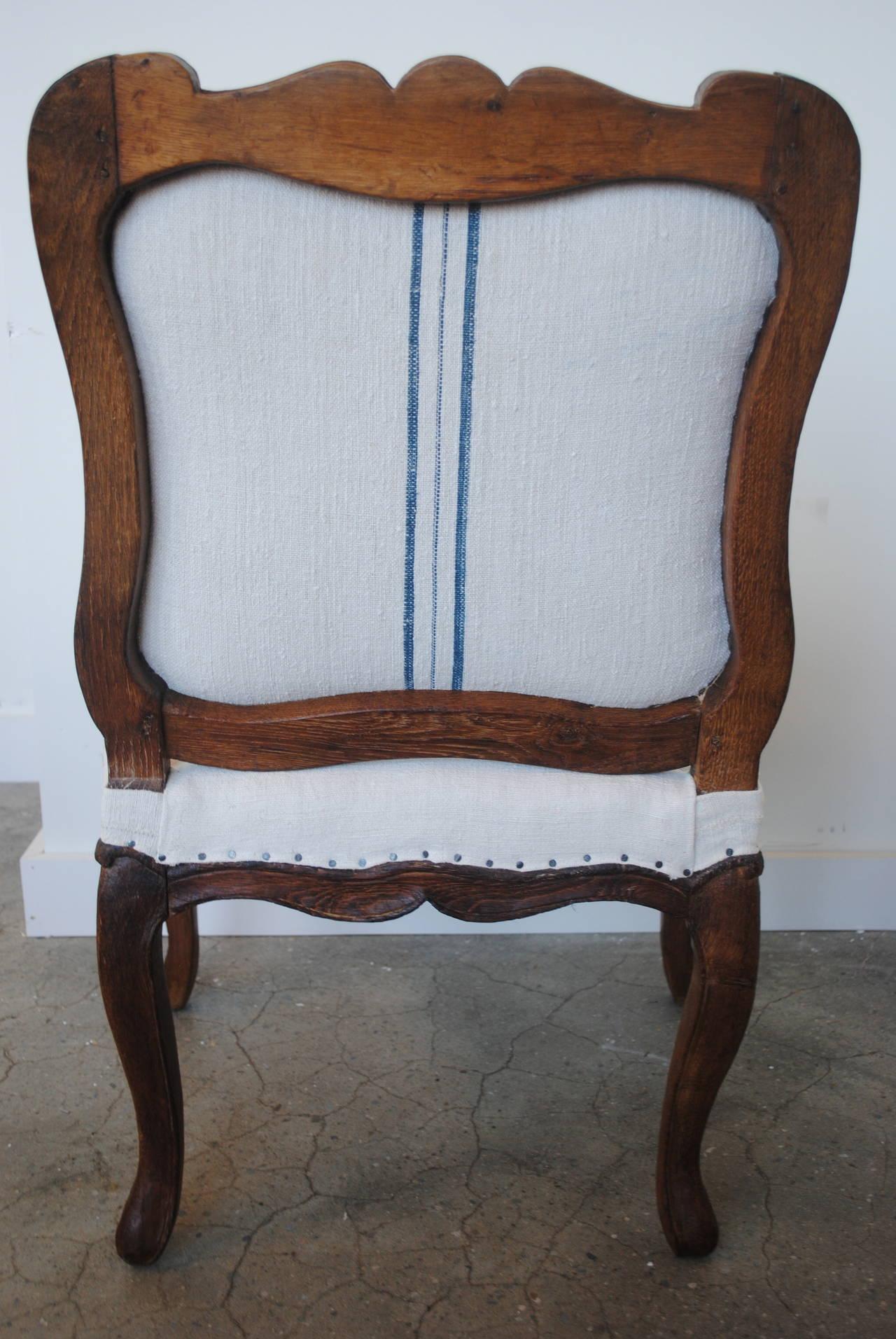 Pair of 19th Century Chestnut Slipper Chairs 8