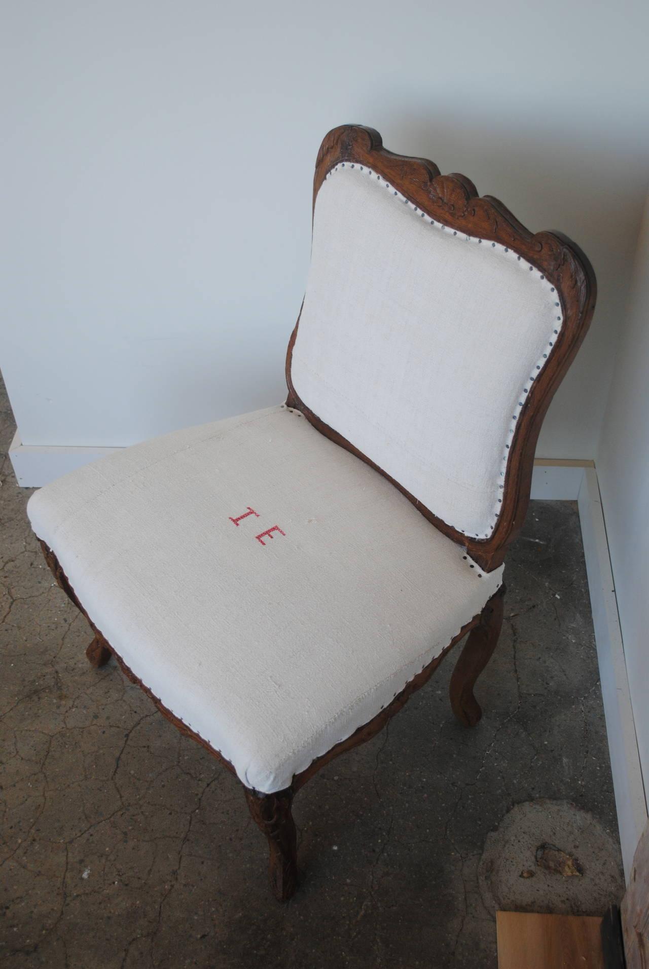 Pair of 19th Century Chestnut Slipper Chairs 7