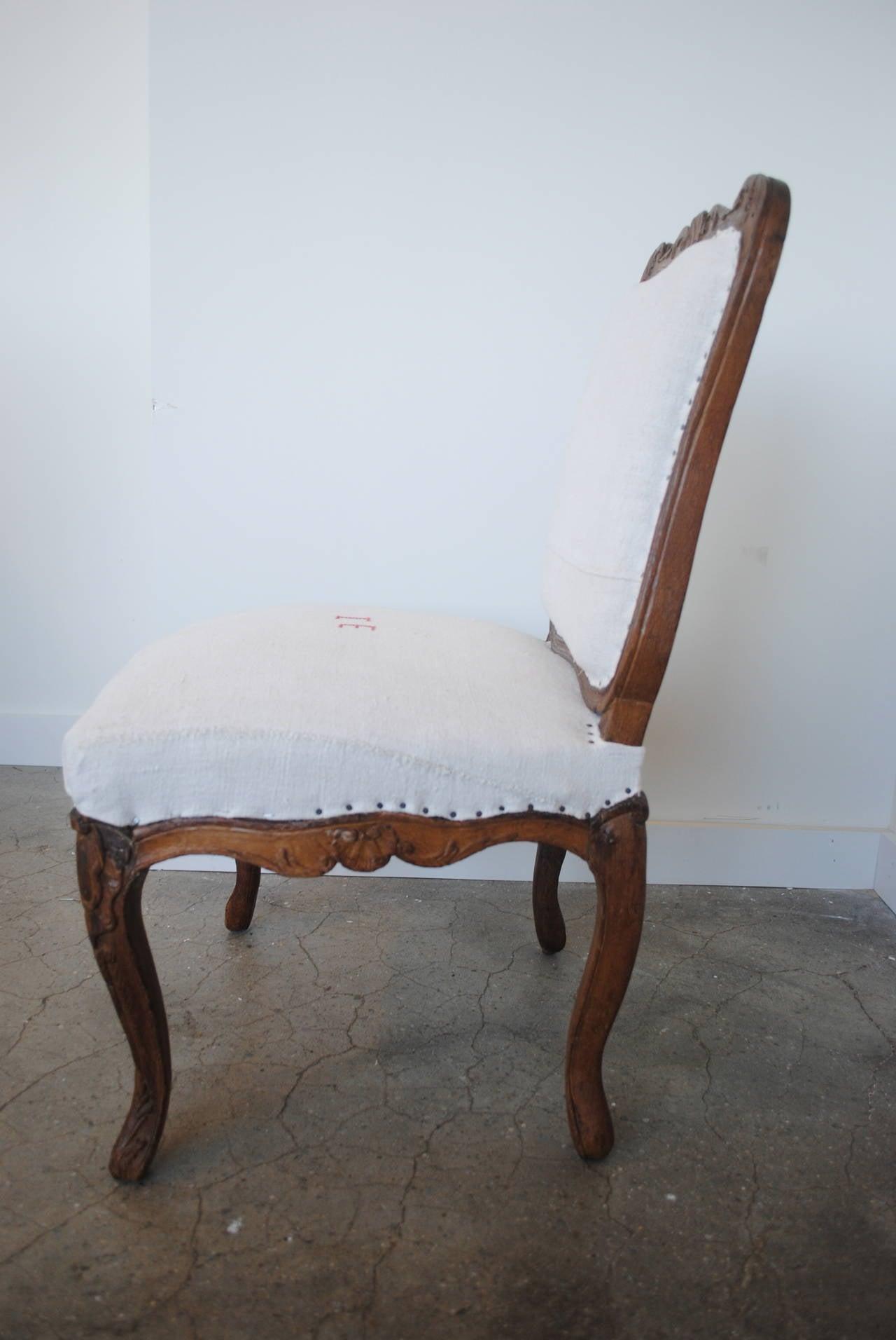Pair of 19th Century Chestnut Slipper Chairs 9