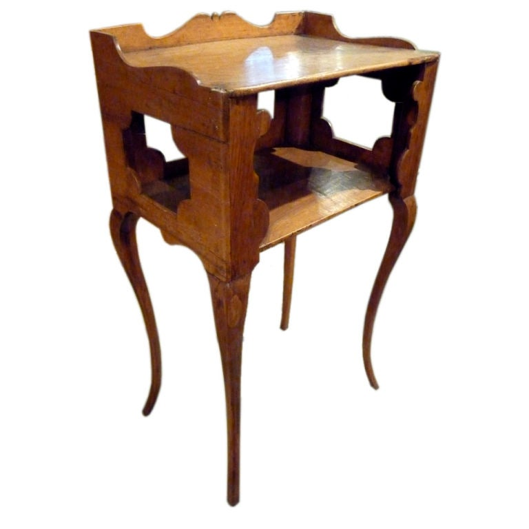 Chevet table with cabriole legs at 1stdibs - Petite table de chevet ...